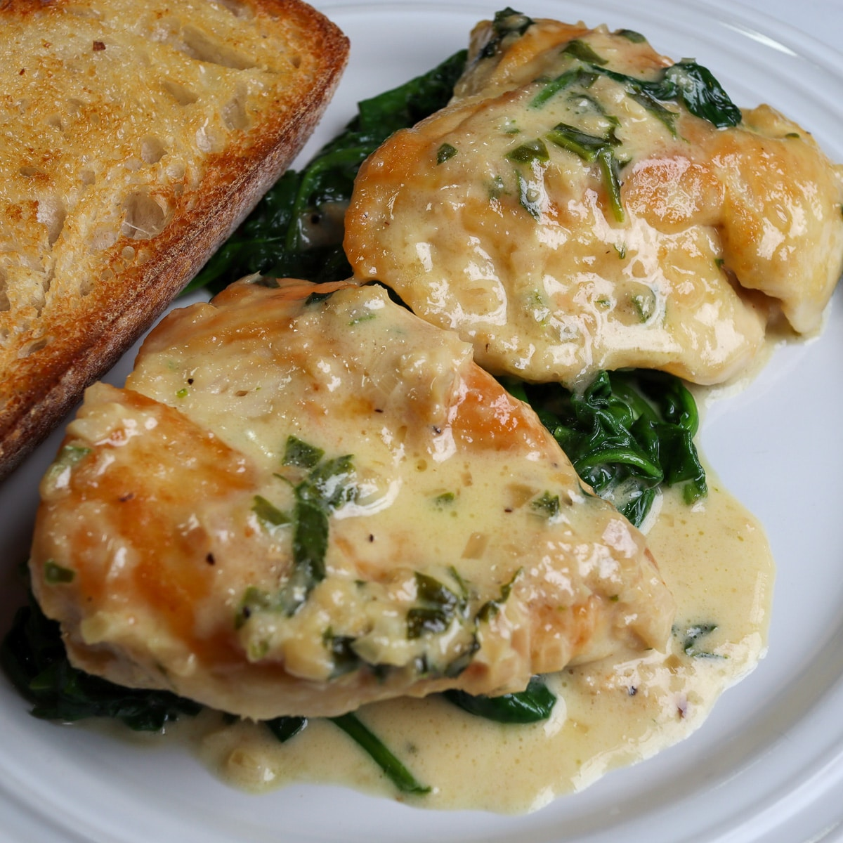 chicken florentine on a plate